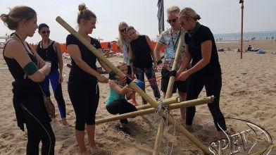 Bedrijfsuitje_Expeditie_Robinson_strand_Noordwijk-60