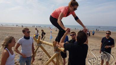 Bedrijfsuitje_Expeditie_Robinson_strand_Noordwijk-70