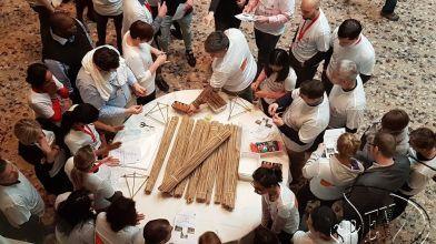 bamboe_bouwen_megavlieger_teambuilding_17