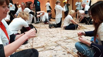 bamboe_bouwen_megavlieger_teambuilding_19