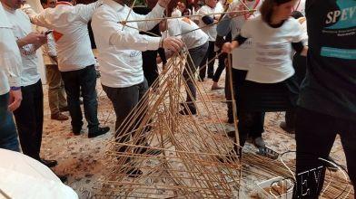 bamboe_bouwen_megavlieger_teambuilding_25