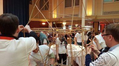 bamboe_bouwen_megavlieger_teambuilding_37