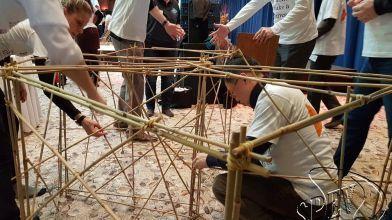 bamboe_bouwen_megavlieger_teambuilding_46