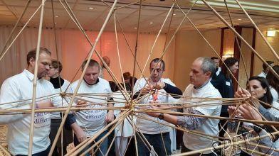 bamboe_bouwen_megavlieger_teambuilding_48