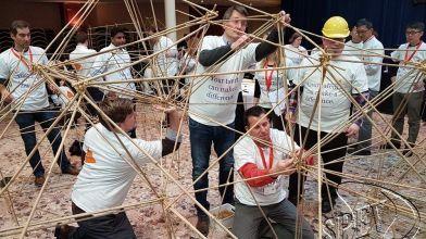 bamboe_bouwen_megavlieger_teambuilding_58